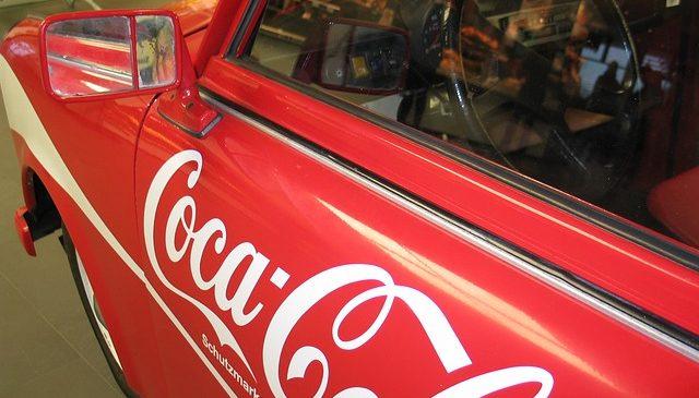 Reklama na samochodzie – czy prywatna osoba może zarobić na reklamie firmy?